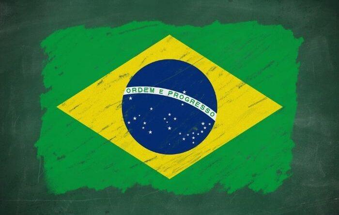 Lousa com bandeira do Brasil